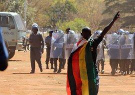 Apelan la decisión del Supremo de Zimbabue de mantener la prohibición de manifestaciones