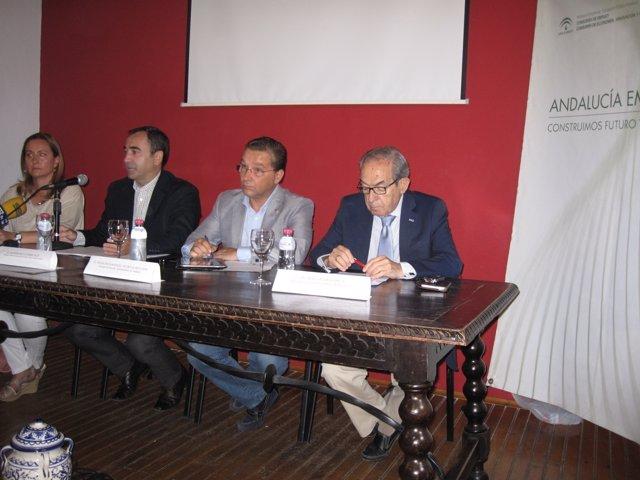 De la Torre (2i), en la jornada sobre medidas de apoyo a la internacionalización