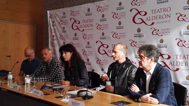 Redondo presenta el montaje acompañada por el reparto de 'El Pintor de Batallas'