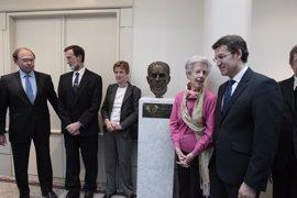 Compromís pide la retirada del busto de Fraga del Senado y la Mesa lo rechaza