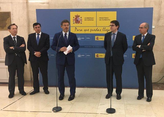 MINISTRO DE FOMENTO EN FUNCIONES RAFAEL CATALÁ Y EL ALCADE DE SALAMANCA