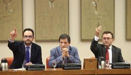 Los diputados del PSOE pueden ser expulsados del grupo y ser expedientados si rompen la disciplina de voto
