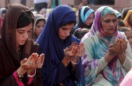 """Pakistán aprueba nuevas leyes contra la violación y los """"crímenes de honor"""""""