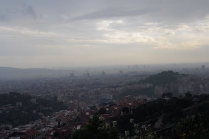 La contaminación del aire reduce la fertilidad de hombres y mujeres
