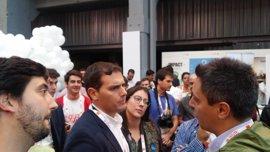 """Rivera dice que """"lo primero"""" es que Rajoy diga que va a la investidura y luego el PSOE se abstenga"""