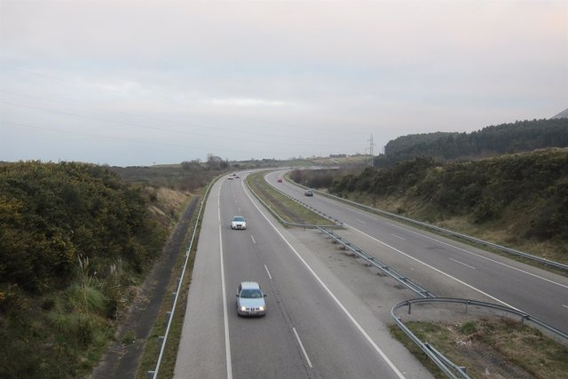 Tráfico En Una Autovía