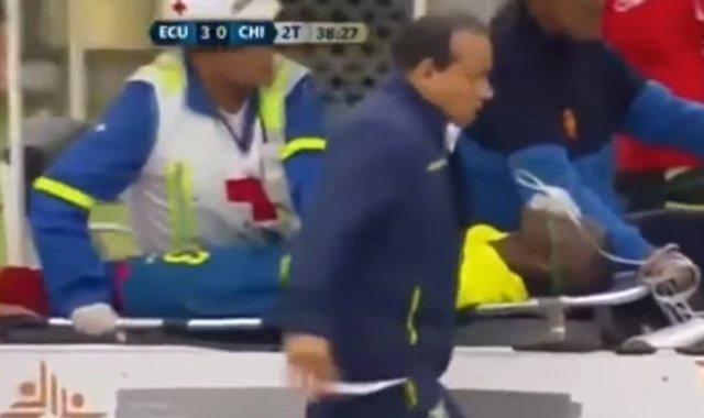 Enner Valencia finge una lesión con Ecuador