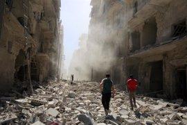 Disminuyen los ataques aéreos en Alepo a pesar de los duros combates  entre las facciones
