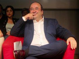 Iceta recibe apoyo de Borrell, Montilla, Ballesteros, Ros, Hereu y Carnero en un manifiesto