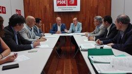 """Conejo (PSOE) dice que """"los andaluces no se merecen la mediocridad de Moreno Bonilla (PP)"""""""