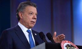 """Santos llama a unir fuerzas para que Colombia gane """"el más importante premio"""": """"la paz"""""""