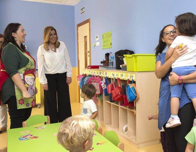 Susana Díaz visita una escuela infantil