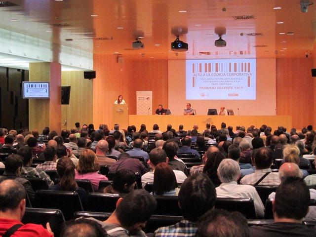 Asamblea de delegados de CC.OO. Y UGT celebrada hoy en Zaragoza