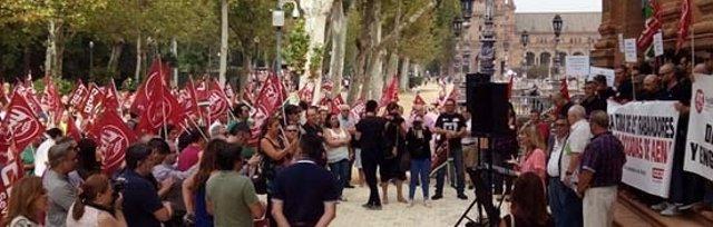 Movilizaciones de UGT y CCOO en Sevilla.