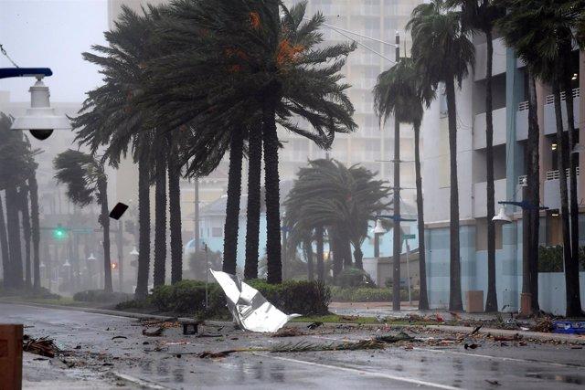 Efectos del paso del huracán 'Matthew' en Daytona Beach, Florida