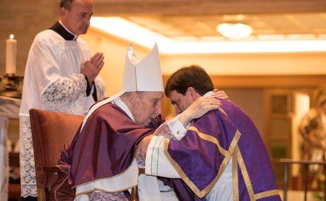 Ordenación sacerdotal de Eduardo Ares