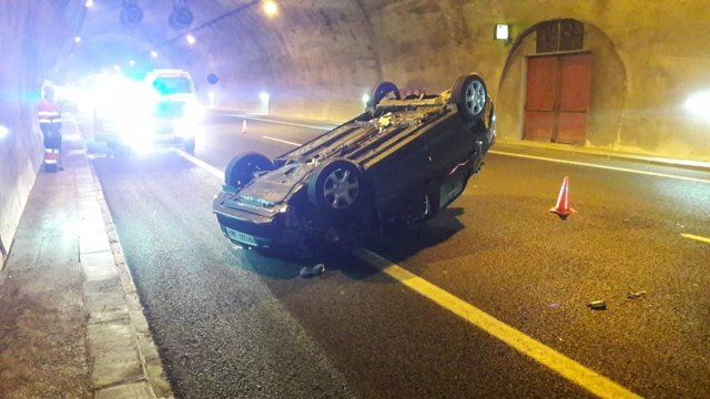 Accidente en el interior del túnel del Perdón.