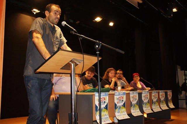 NP Y FOTOS IU Llama A Participar En La Manifestación Contra Los Tratados Comerci