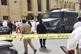 Un miembro del Estado Islámico empotra un camión contra un coche con cinco estadounidenses en Kuwait