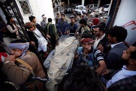 Más de 140 muertos y 540 heridos por el bombardeo a un funeral en Saná