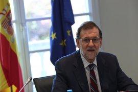 El Congreso recibe peticiones de particulares pidiendo ya Gobierno y apoyando a Rajoy