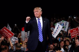 Giuliani asegura que Trump seguirá en la carrera presidencial a pesar de su última polémica machista