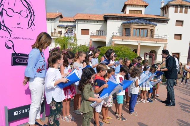 Coro de niños en la Casa del Cine de Almería