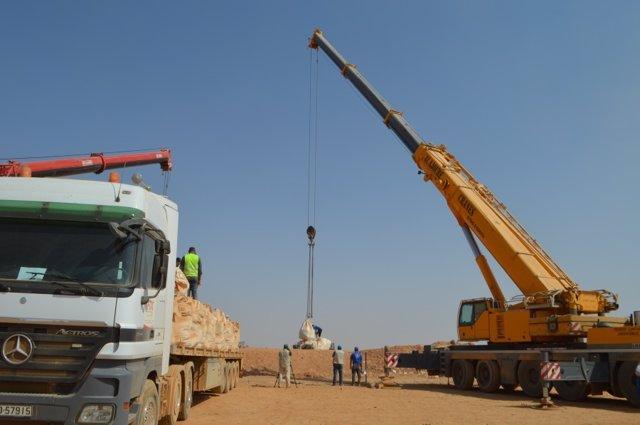 Entrega de ayudaa los civiles atrapados entre Siria y Jordania