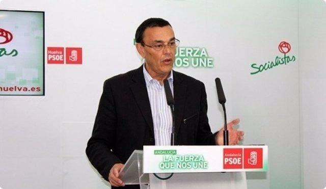 Ignacio Caraballo en la sede del PSOE