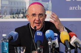 """El futuro cardenal Carlos Osoro promete """"dar la vida"""" por el Papa Francisco, si hace falta"""