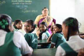 Más del 60 por ciento de los jóvenes analfabetos son mujeres, según Sonrisas de Bombay