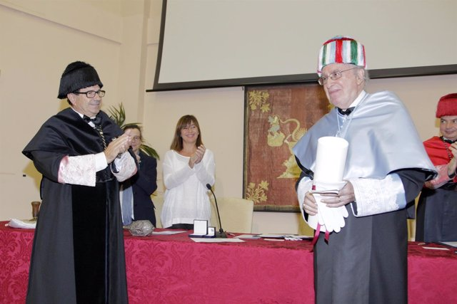 Armengol acude a la investidura de doctor honoris causa