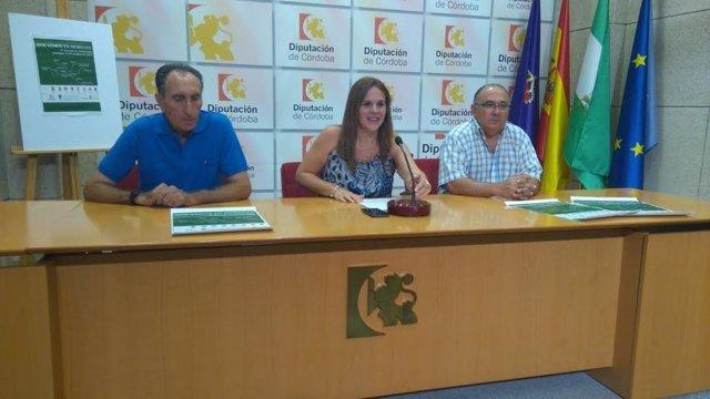 Barbero (centro) durante la presentación de 'Nos vemos en Morente'