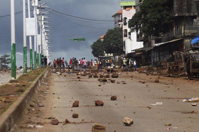 Seguidores de la oposición durante las manifestaciones electorales en Conakry.