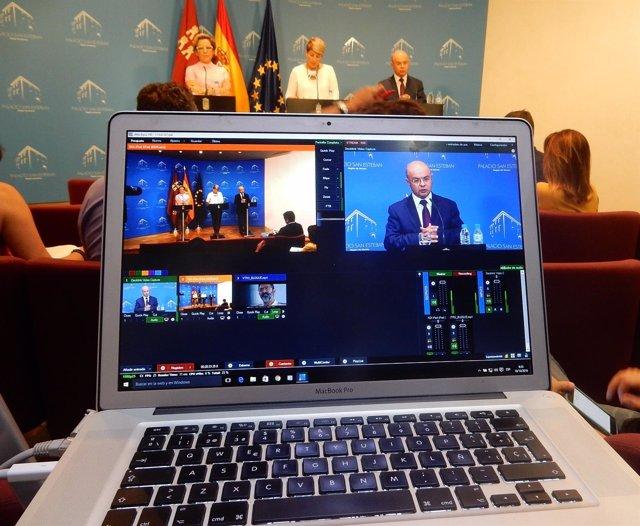 Carrillo interviene durante la rueda de prensa posterior al Consejo de Gobierno