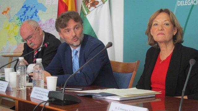 El consejero de Medio Ambiente, José Fiscal, y la de Agricultura, Carmen Ortiz.