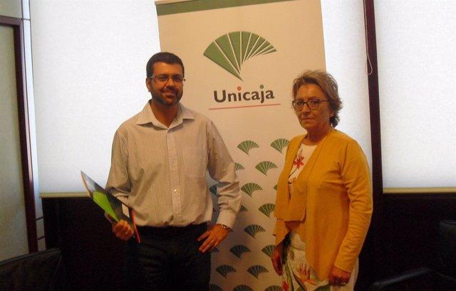 Firma del convenio entre la Fundación Unicaja y Másquecuentos.
