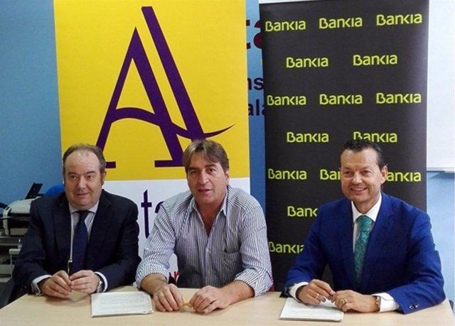 Bankia Y Los Transportistas Autónomos De Salamanca Firman Un Convenio Para Ofrec