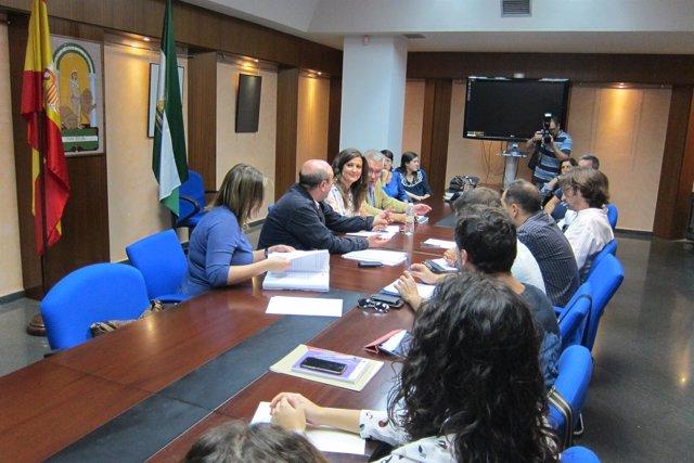 Reunión sobre las obras de reformas en el Conservatorio Profesional de Jaén.