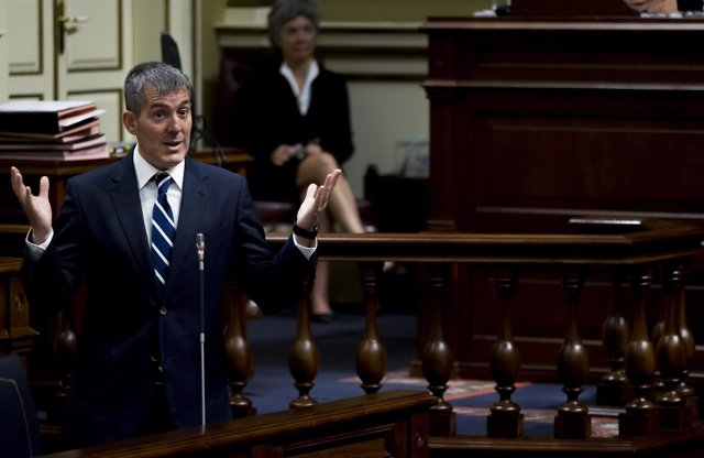 Fernando Clavijo en el Parlamento de Canarias