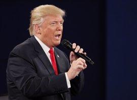 """Trump insta a Ryan a """"no malgastar su tiempo"""" criticándole"""