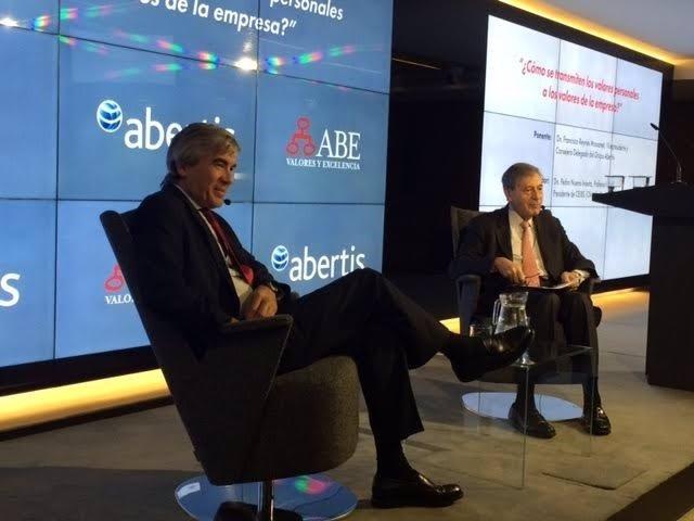 Francisco Reynés y Pedro Nueno en la sede de Abertis Barcelona