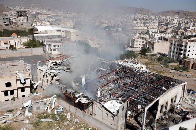 Salón funerario bombardeado en Saná, Yemen