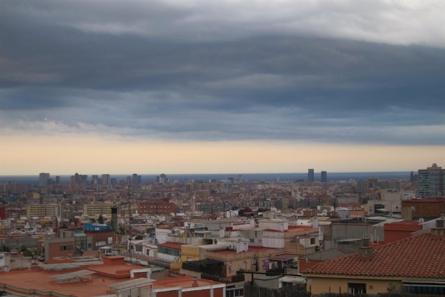 Barcelona, nubes, lluvia, skyline