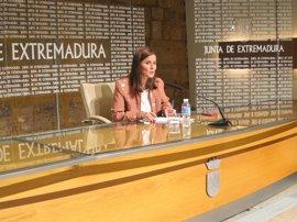 """La Junta de Extremadura analiza con """"rigor"""" los datos de la previsión de ingresos"""