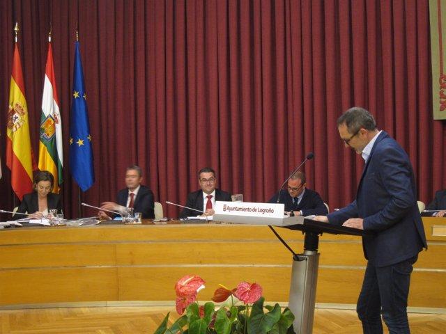 Antoñanzas se dirige a la alcaldesa en el Debate de la Ciudad