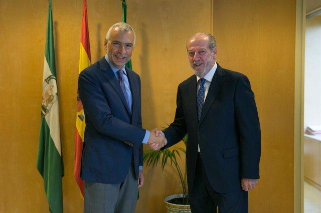 El embajador de Italia y Villalobos.