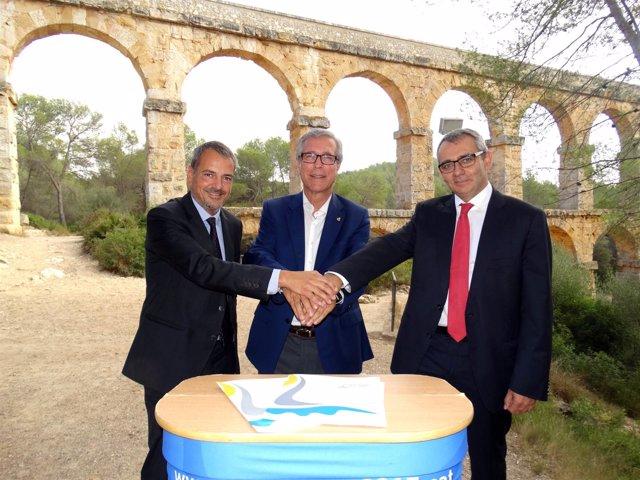Firma del convenio de colaboración de Agbar con los Juegos del Mediterráneo 2017