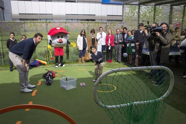 Inauguración del parque infantil de Valdecilla