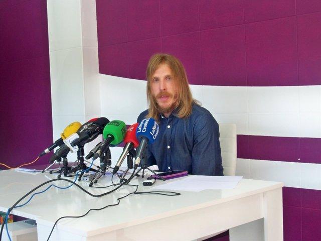 Pablo Fernández, portavoz de Podemos en las Cortes.